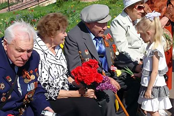 Ветераны Великой Отечественной в Колпне, 2012 год.