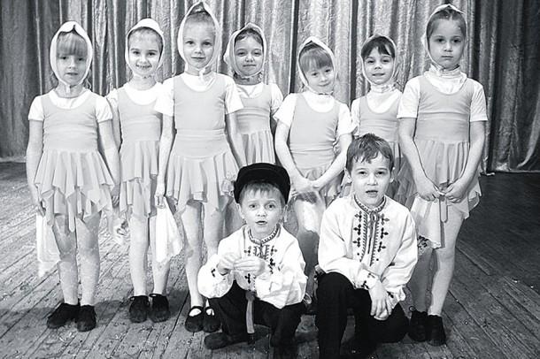Младшая группа школы танца «Гри-дэнс».