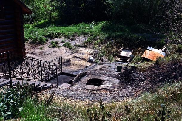 Андреевский источник после пожара.