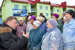 Встреча Губернатора Козлова с отделочницами в Колпне.